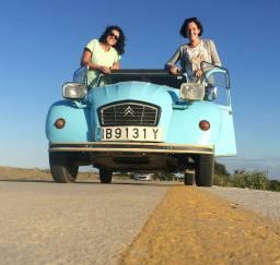 """Las 11 preguntas de """"2 femmes en 2Cv"""" Ana y Eva."""